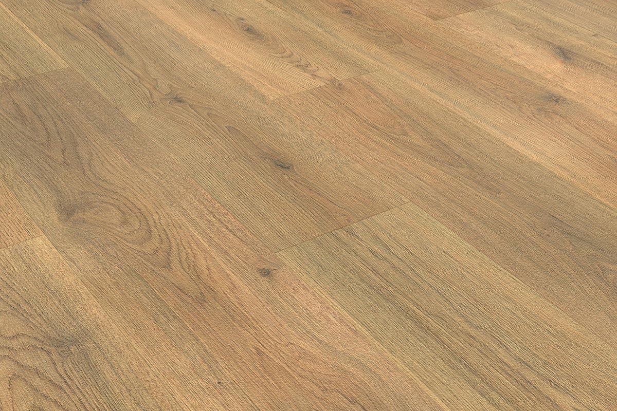 Mega deal 8mm laminate flooring nature oak for Laminate flooring deals
