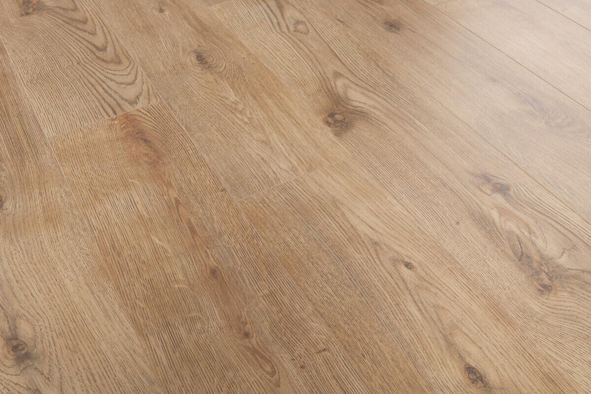 Mega deal 7mm laminate flooring oxford oak for Laminate flooring deals