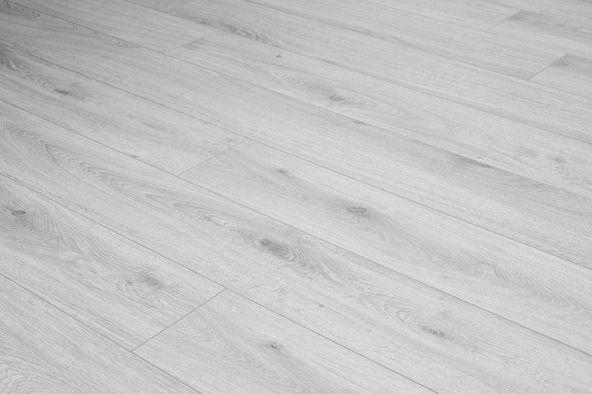 Series Woods Professional 10mm Laminate Flooring White Oak