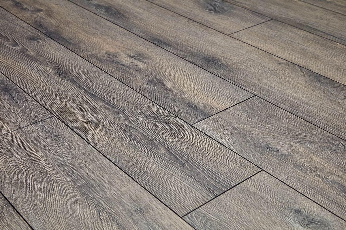 Series Woods 12mm Laminate Flooring Lazio Oak