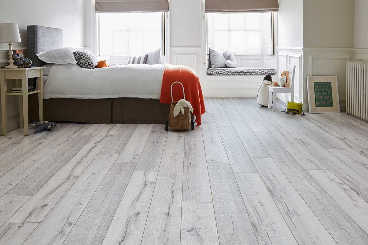 Series Woods Professional 12mm Laminate Flooring Oak White