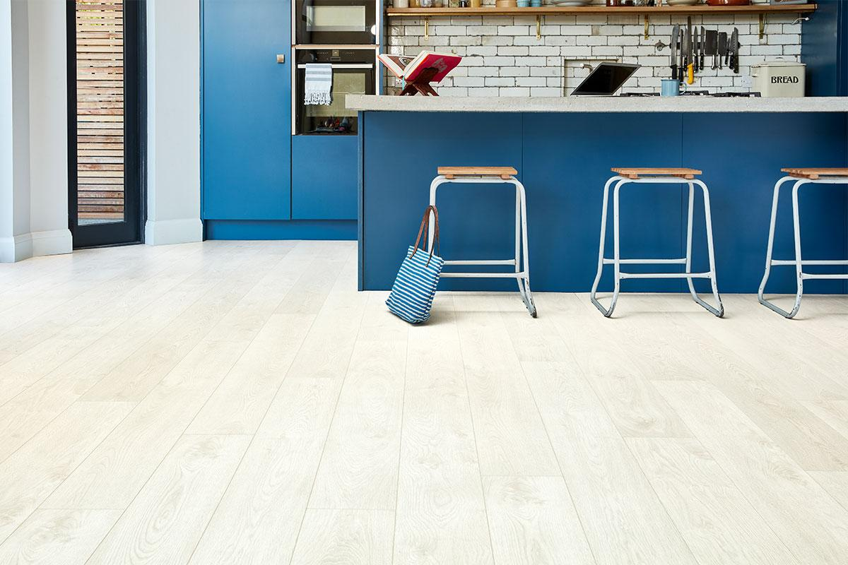 Series Woods Premium 8mm Laminate Flooring Oak Brilliant White