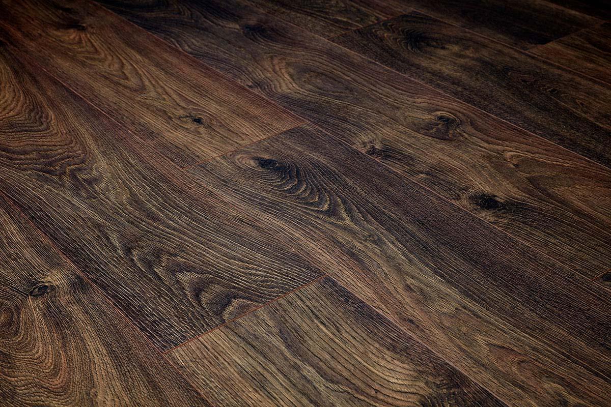 Series Woods Premium 8mm Laminate Flooring Oak Stout