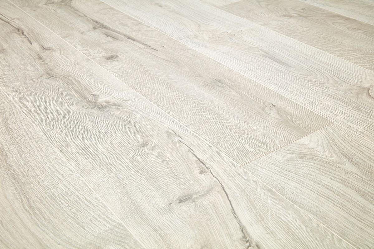 Vantage 14mm Laminate Flooring Snow Oak