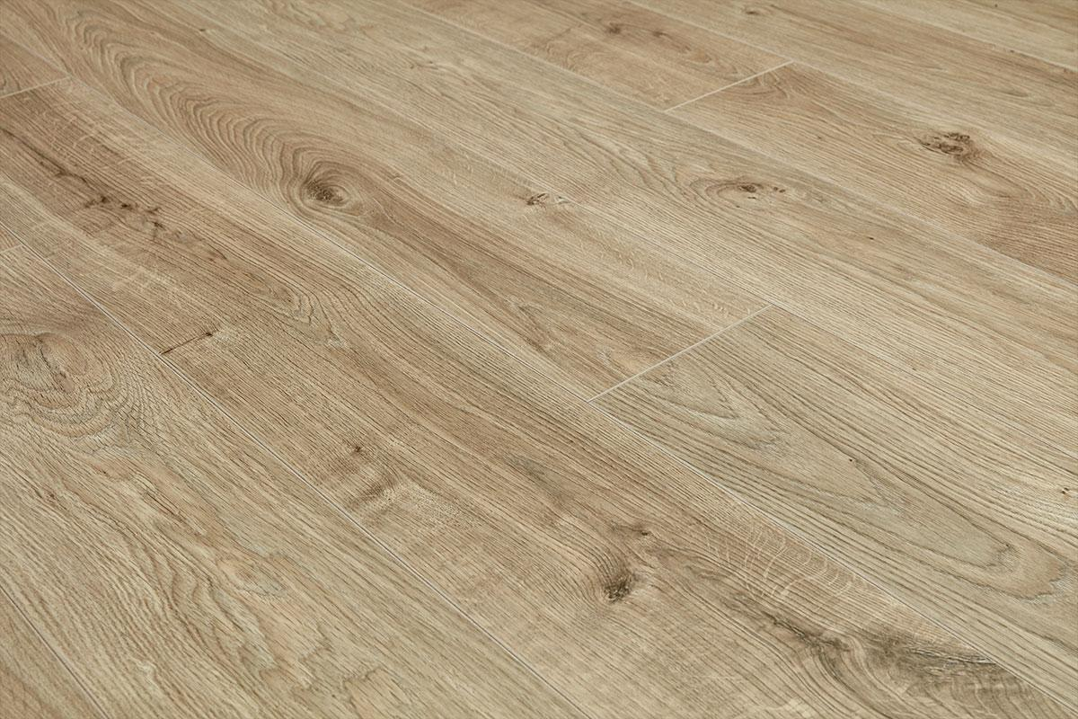 Vantage 12mm Laminate Flooring Everest Beige Oak
