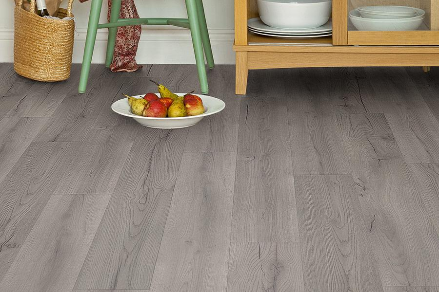 Series Woods 8mm Laminate Flooring Grey Oak, What Colour Laminate Flooring Goes With Oak Furniture