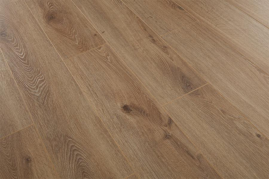 Series Woods Professional 10mm Laminate Flooring Light Oak
