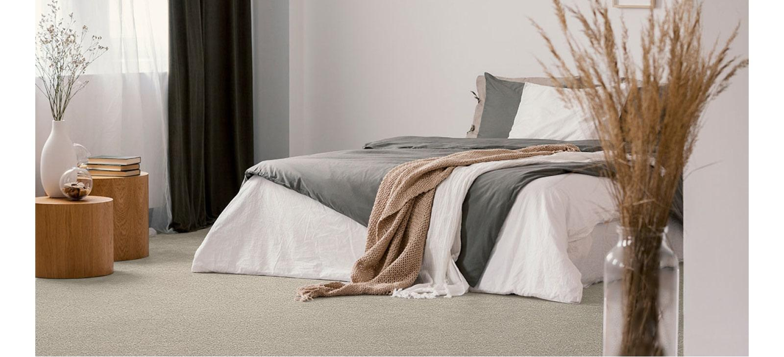 Large Bedroom Roomset with Beige Carpet